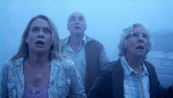 (L-R) Laurie Holden, Jeffrey DeMunn, and Frances Sternhagen in The Mist.
