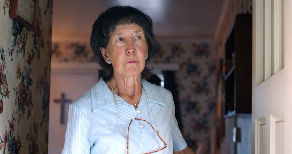 (L-R) Lin Shaye in Daniel Farrands' TED BUNDY: AMERICAN BOOGEYMAN | PHOTO CREDIT: Dark Star Pictures/Voltage Pictures