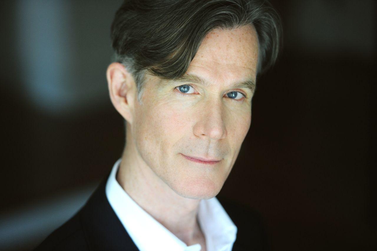 Tom Nelis as Dr. Klein